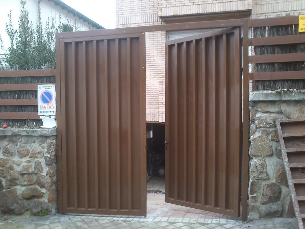 Puertas batientes madrid de garaje abatibles cancelas - Puertas abatibles garaje ...