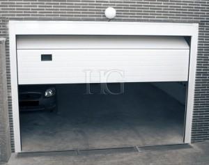puerta seccional con motor
