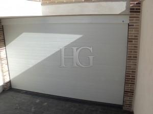 puerta garaje motorizada madrid